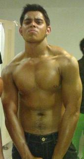 Richard Gutierrez Hot