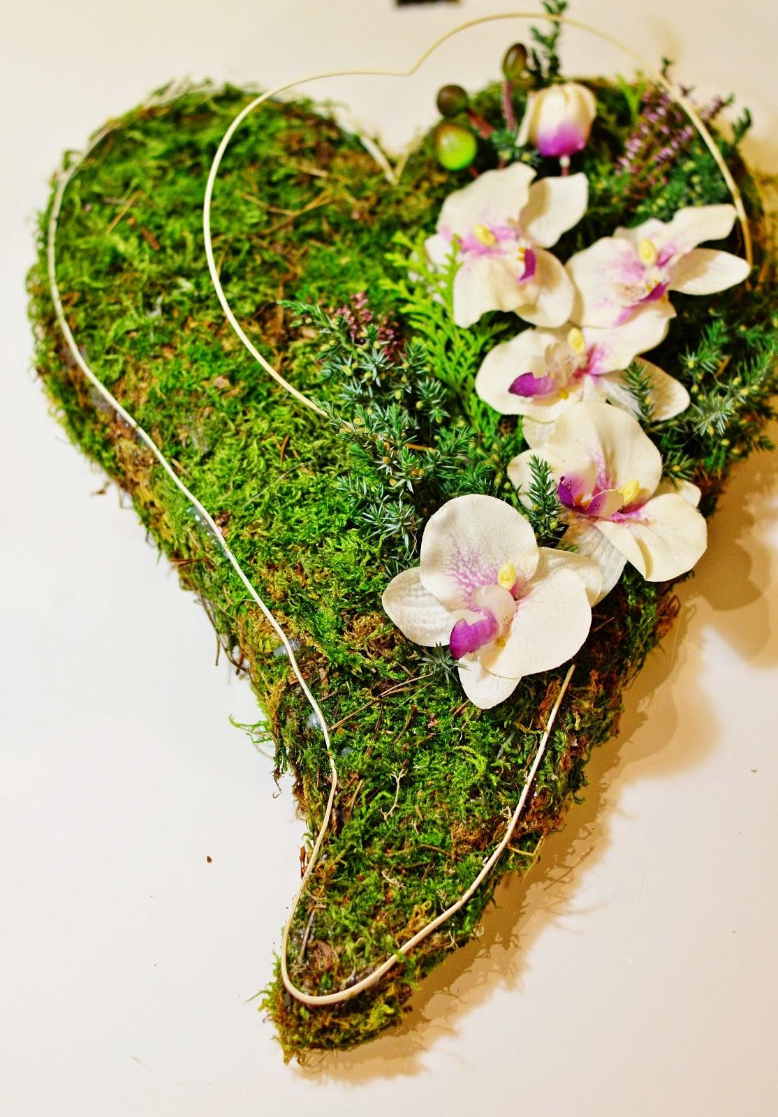 Magiczna Przystań Jak Zrobić Serce Z Mchu Na Cmentarzi Sposób