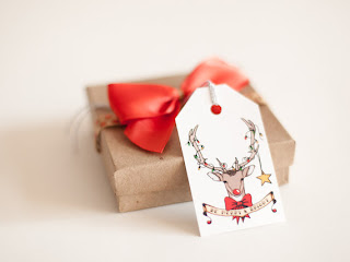https://www.etsy.com/uk/listing/167224910/deer-christmas-gift-tags-pack-of-six?ref=favs_view_5
