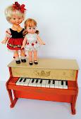 Mini Piano e Bonecas Dancinha da Estrela