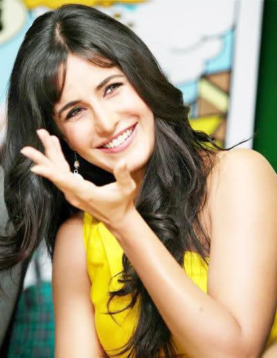Katrina Kaif New frock , saree ,shalwar kameez Images 2013