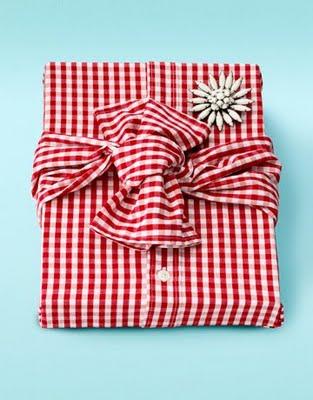 Envolver regalos de forma original en Recicla Inventa