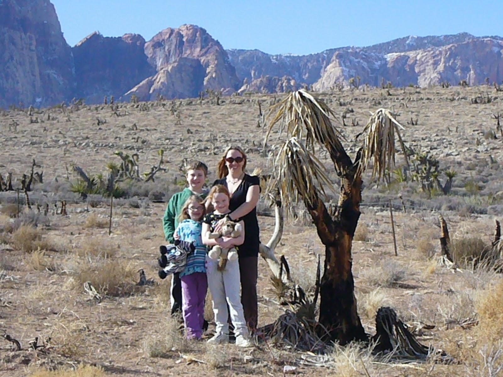 http://3.bp.blogspot.com/-mSvHmthwK9k/TyWGL5bdV9I/AAAAAAAABb0/uW0VapTkTzM/s1600/Family+at+Red+Rock+2.JPG
