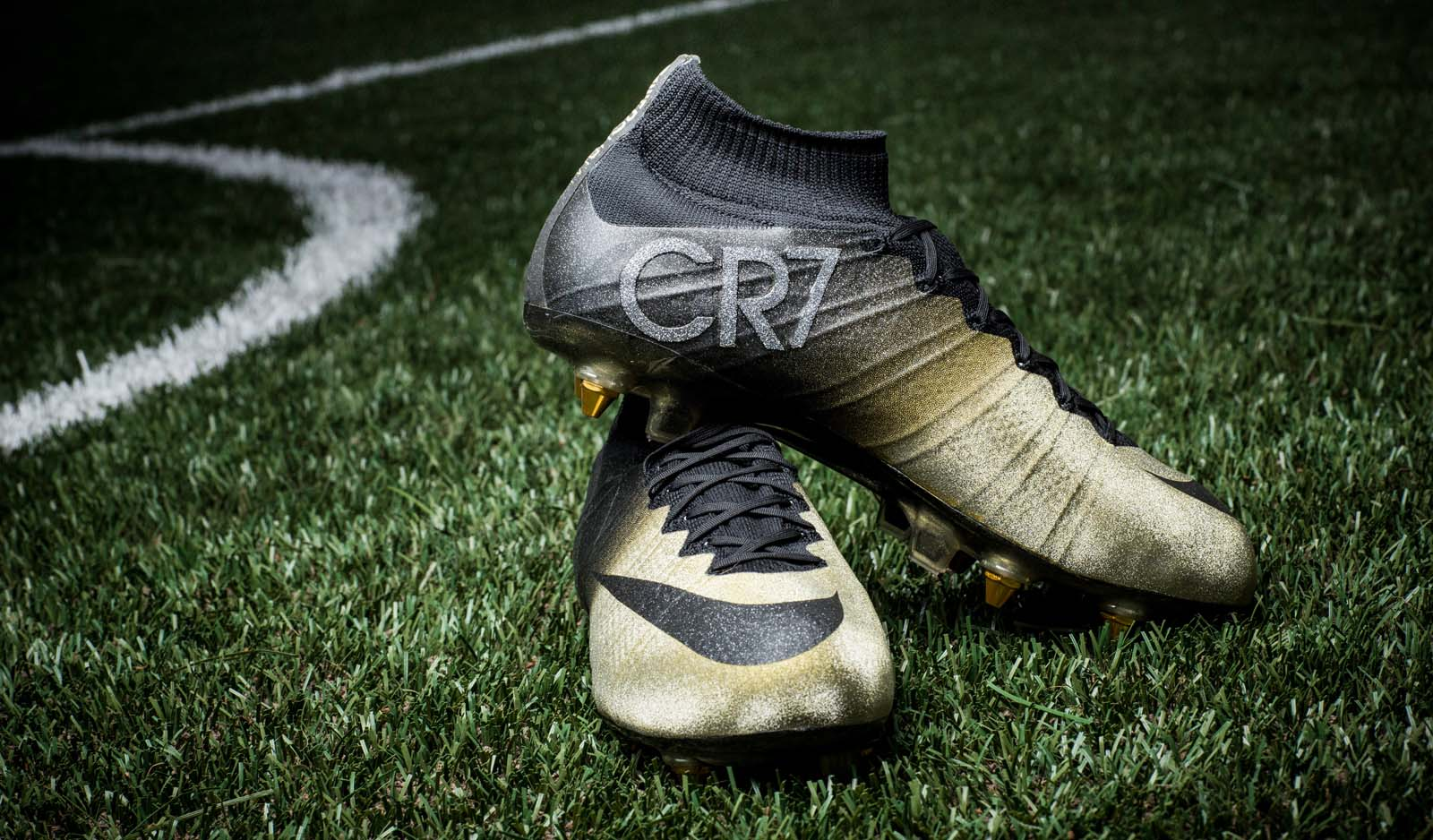 Cr7 Rare Gold Cleats