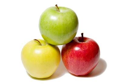 فوائد أكل التفاح على الريق الصحية