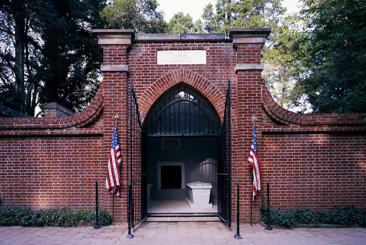 George Washington's Tomb ~