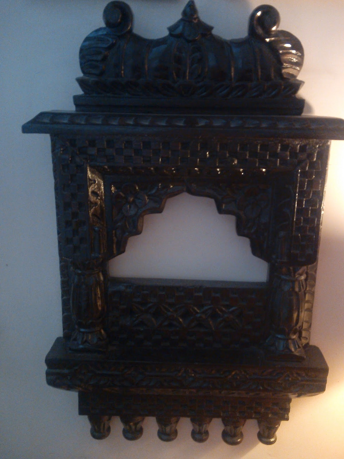 beautiful indian antique decoration pieces and carvings