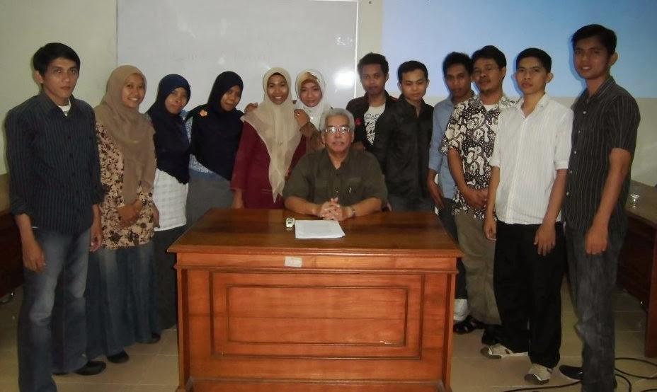 Bersama Prof. Abdul Munir Mulkhan