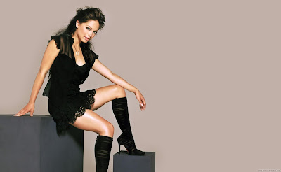 Kristin Kreuk Canadian-American Actress Wide Wallpaper