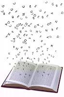Letras volando de un libro