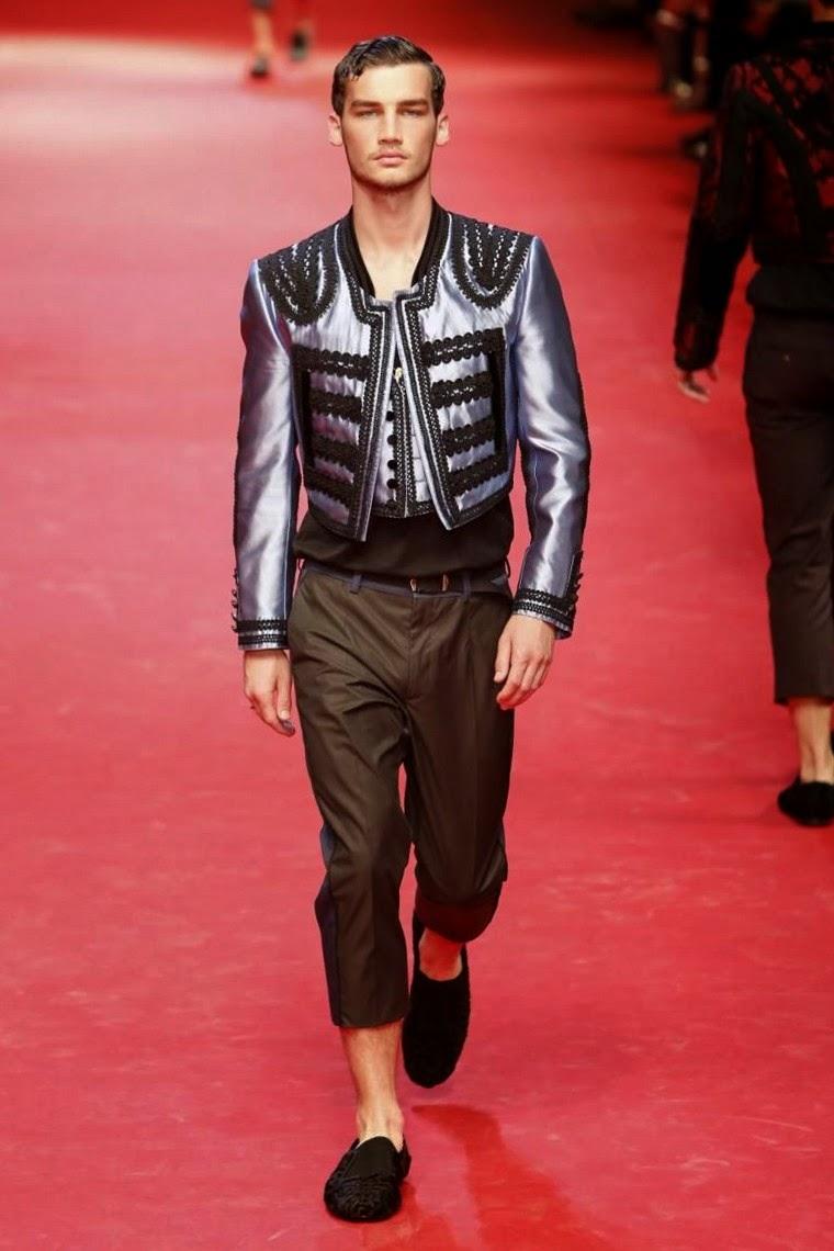 Dolce&Gabbana, Dolce-&-Gabbana, Dolce-Gabbana, Dolce-Gabbana-Spring-Summer, Dolce-Gabbana-menswear, Dolce-Gabbana-Milan-Fashion-Week, mode-homme, du-dessin-aux-podiums, dudessinauxpodiums, moda-uomo, vestiti-online, blazers-for-men, outlet-online, costume-homme-mariage, abiti-eleganti, b&b-paris, trench-homme, abiti-da-sera, costume-homme, abiti-cerimonia, shopping-on-line, mens-wedding-suits, mens-fashion, mode-fashion