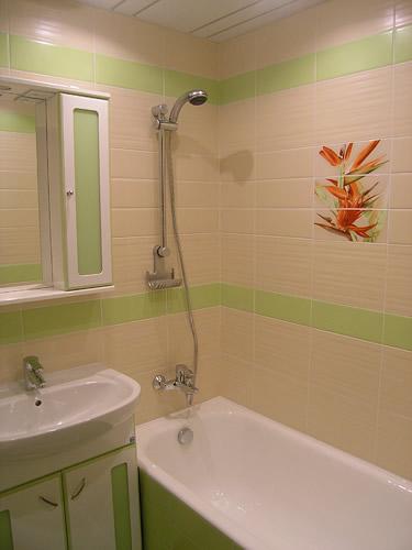 Ремонт ванной комнаты (ванная 1,35м х 1,5м ...: remont63.blogspot.com/2011/08/blog-post_12.html