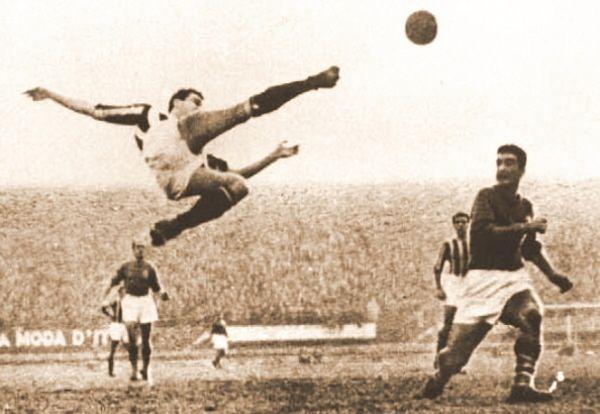 Aforismario®: Calcio e Calciatori - 150 Frasi sul Mondo del Pallone