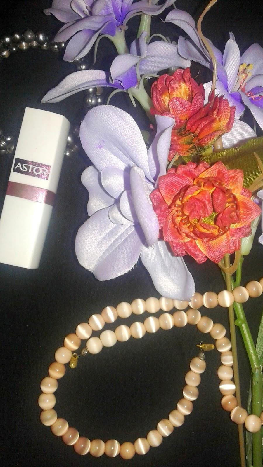 Top 10 kosmetyków... - #3 pomadka Astor 330
