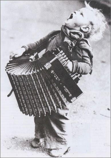 photo by Henri Manuel circa 1900