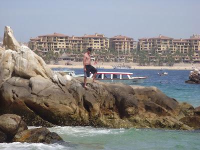 Lover's Beach rock climbing, Cabo San Lucas, Mexico www.thebrighterwriter.blogspot.com