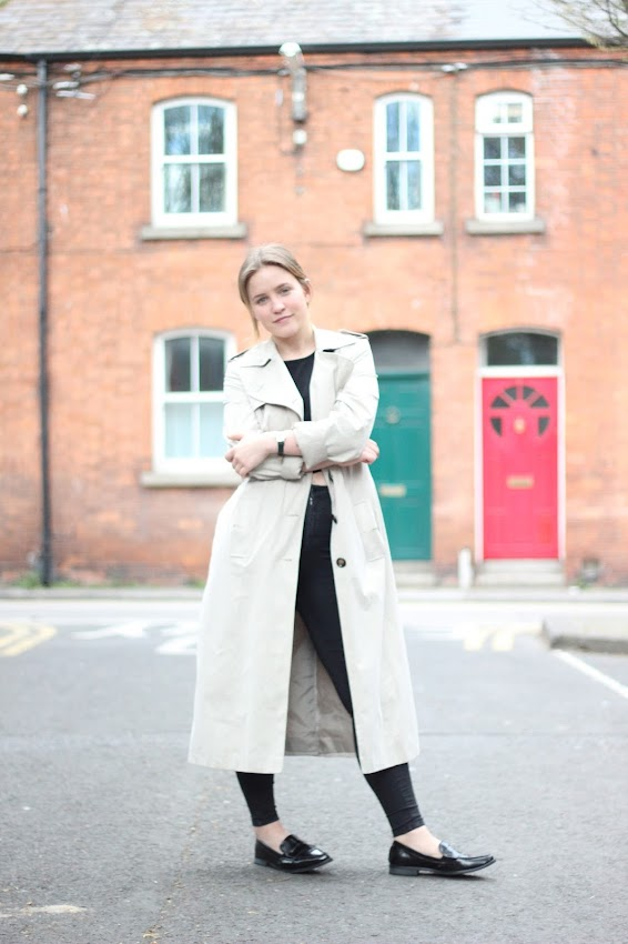 Latest Lil, Irish Fashion Blogger, Thrift Trench coat, ASOS black pointed loafers, Topshop Joni Jeans, Trench coat, street style, maxi trench coat, Irish  street style, Dublin Street style, black street style, blonde street style,