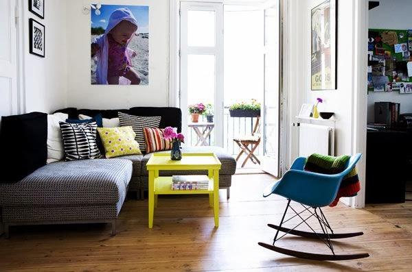 Desain Interior Ruang Tamu Minimalis Penuh Warna