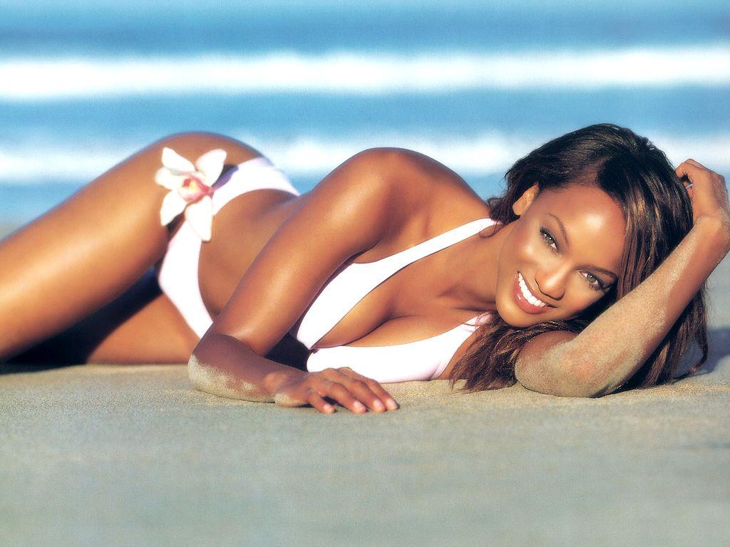 http://3.bp.blogspot.com/-mUd4MYeXJ8g/TuZfVK2qZBI/AAAAAAABGb0/-Z1ikOPdpUo/s1600/Tyra-Banks-in-hot-bikini-1.JPG