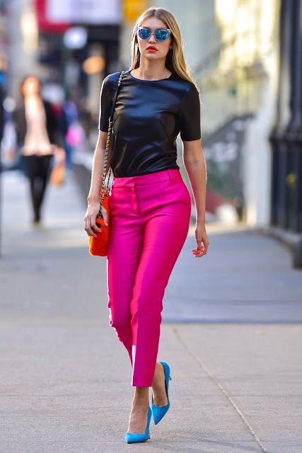 gigi hadid color-block outfit gigi hadid fucsia pants gigi hadid outfit pantaloni fucsia gigi hadid gigi hadid outfit gigi hadid vero nome gigi hadid altezza gigi hadid modella gigi hadid famiglia gigi hadid best outfits gigi hadid best look true gigi hadid name Jelena Noura Hadid street style mariafelicia magno fashion blogger colorblock by felym fashion blog italiani fashion blogger italiane blog di moda blogger italiane di moda fashion blogger bergamo fashion blogger milano fashion bloggers italy italian fashion bloggers influencer italiane italian influencer