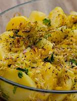 Batata Gratinada com Alho-Poró e Cebola Roxa (vegana)
