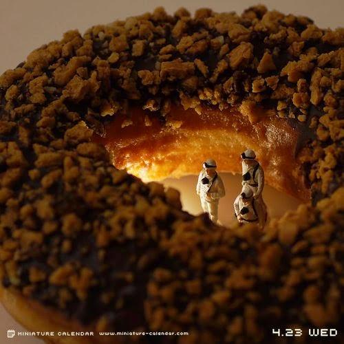 10-Doughnut-Cave-Tatsuya-Tanaka-Miniature-Calendar-Worlds-www-designstack-co