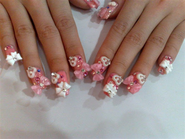 's in cosmetics 3d nail