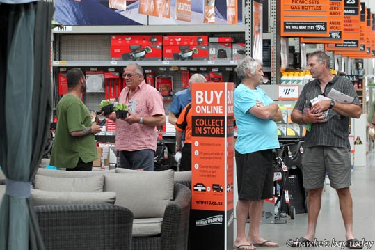 Home handymen take time out from Boxing Day shopping at Mitre 10 MEGA, Napier. photograph