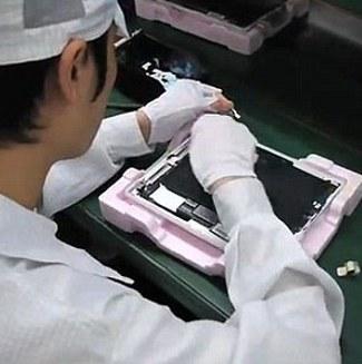 Beginilah Foto Rekaman Proses Pembuatan Tablet IPad Di