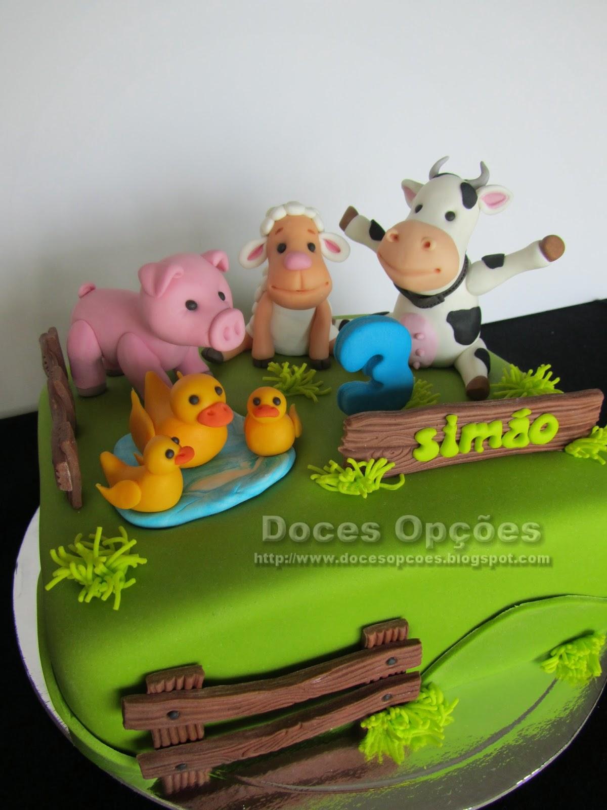 bolo aniversário com animais