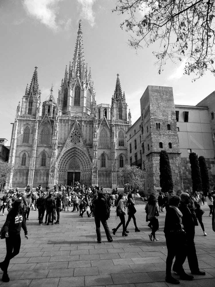 Black and White photos of Barcelona by Andie Gilmour