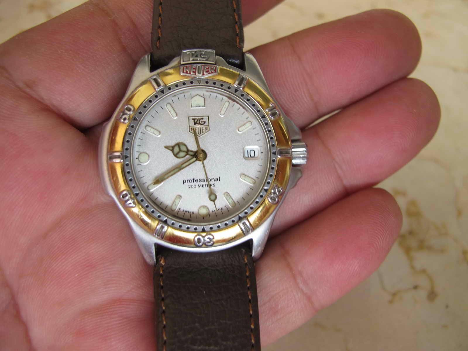 Cocok untuk Anda yang sedang mencari jam tangan Swiss made Tag Heuer dengan diameter pas di tangan tidak terlalu besar