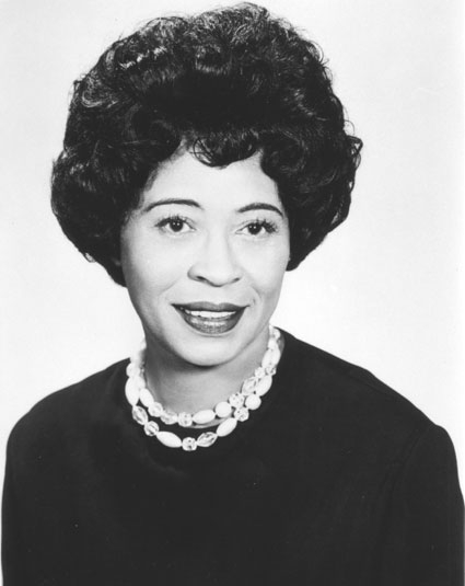 daisy bates Daisy bates was an american civil rights activist, publisher, journalist, and  lecturer who played a leading role in the little rock integration crisis of 1957.