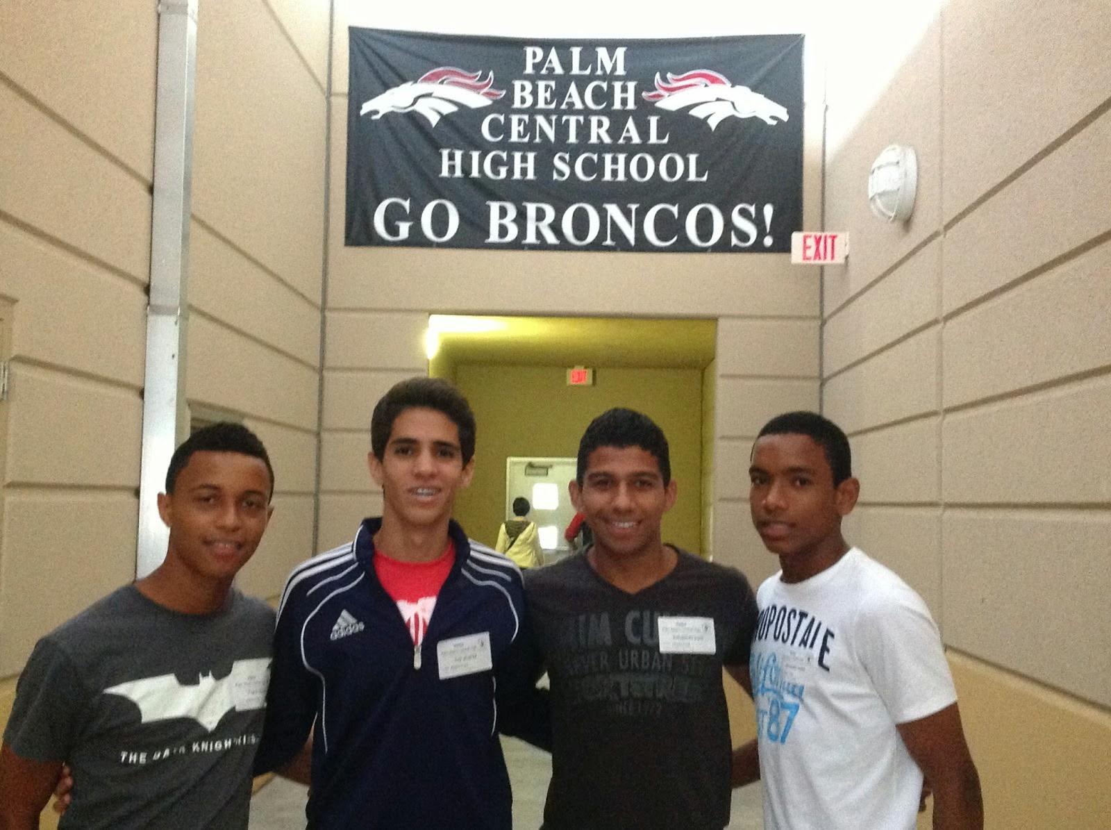 Alexander Vidal, Luis Felipe Alvarez y Frank Matos triunfando torneo soccer escuela secundaria de la Florida