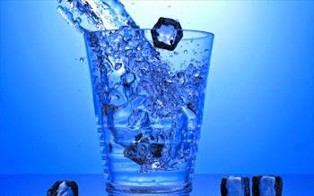 Κρύο vs ζεστό νερό: Ποιο ωφελεί περισσότερο;