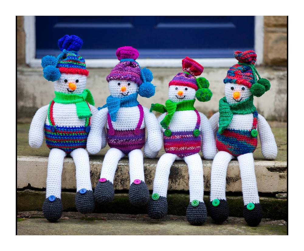 Cute Crochet Chat: Shelf Sitter Snowmen