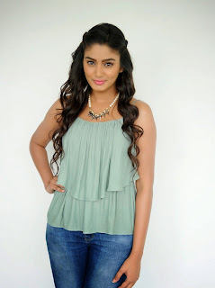 Sana Maqbool in Jeans at Dikkulu Choodaku Ramayya movie press meet (11).jpg