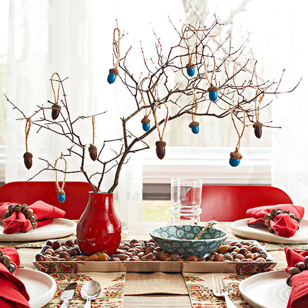 http://www.bhg.com/decorating/seasonal/fall/ways-to-decorate-a-harvest-table/#page=3