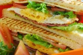 Sandwich Isi Dadar Salmon