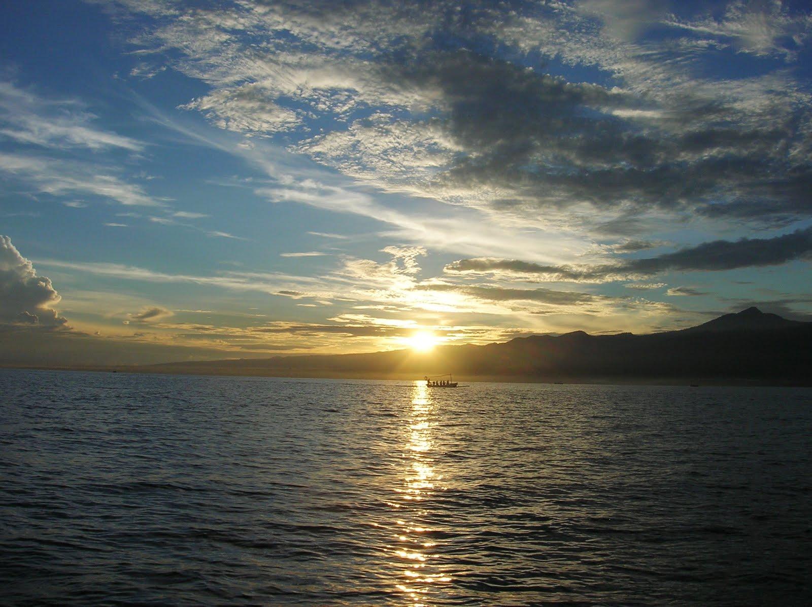 Amanecer en Lovina, Isla de Bali,Indonesia, vuelta al mundo, round the world, La vuelta al mundo de Asun y Ricardo