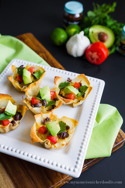 These Green Chili Chicken Enchilada Cups looks soooo good!  Super easy to make too!  |  mynameissnickerdoodle.com
