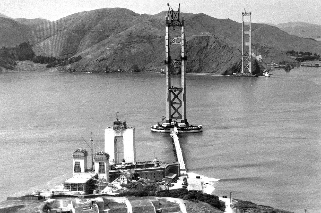 the history of the construction of the golden gate bridge At the time of its construction in the mid-1930s, the golden gate bridge's 17-mile length made it the longest suspension bridge in the world it maintained this position for nearly 25 years until new york's verrazano narrows bridge opened in 1964.