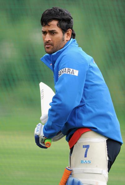 dhoni batting while the nets sessionMs Dhoni Batting