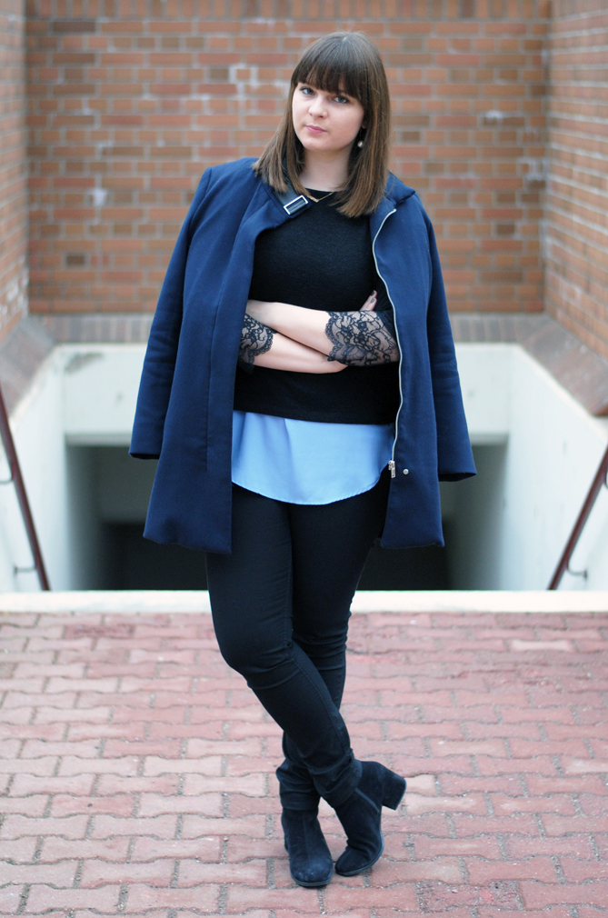 outfit blue coat dark black layering