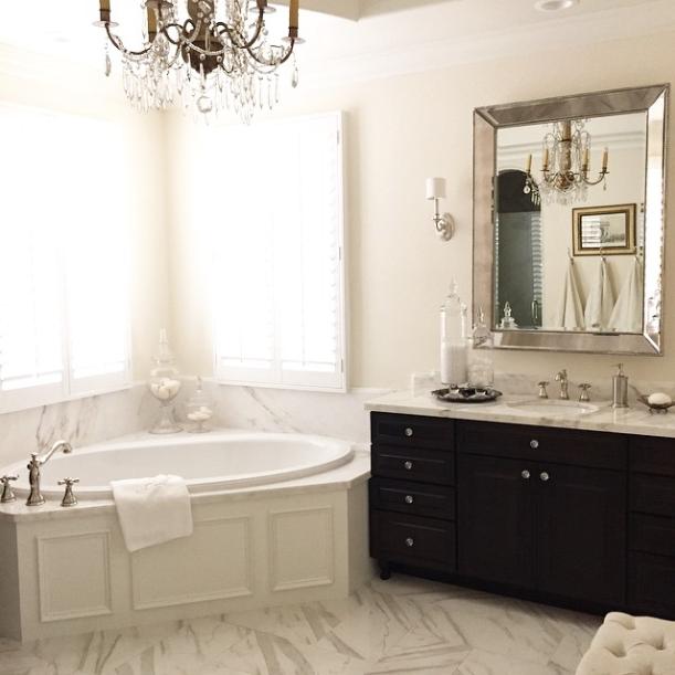 Gorgeous Real Life Bathrooms | @randigarrettdesign