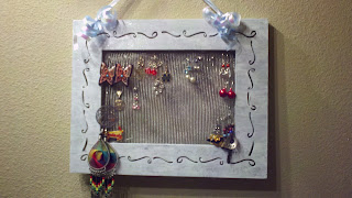 2011-08-23_14-10-04_117 DIY Earring Holder