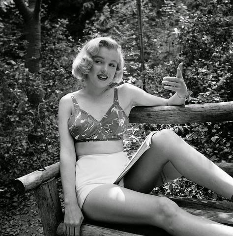Marilyn Monroe movieloversreviews.filminspectorl.com