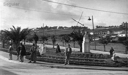 Puerta del campo monumento a gal n hacia 1934 el tunel for Puerta 7 campo de mayo