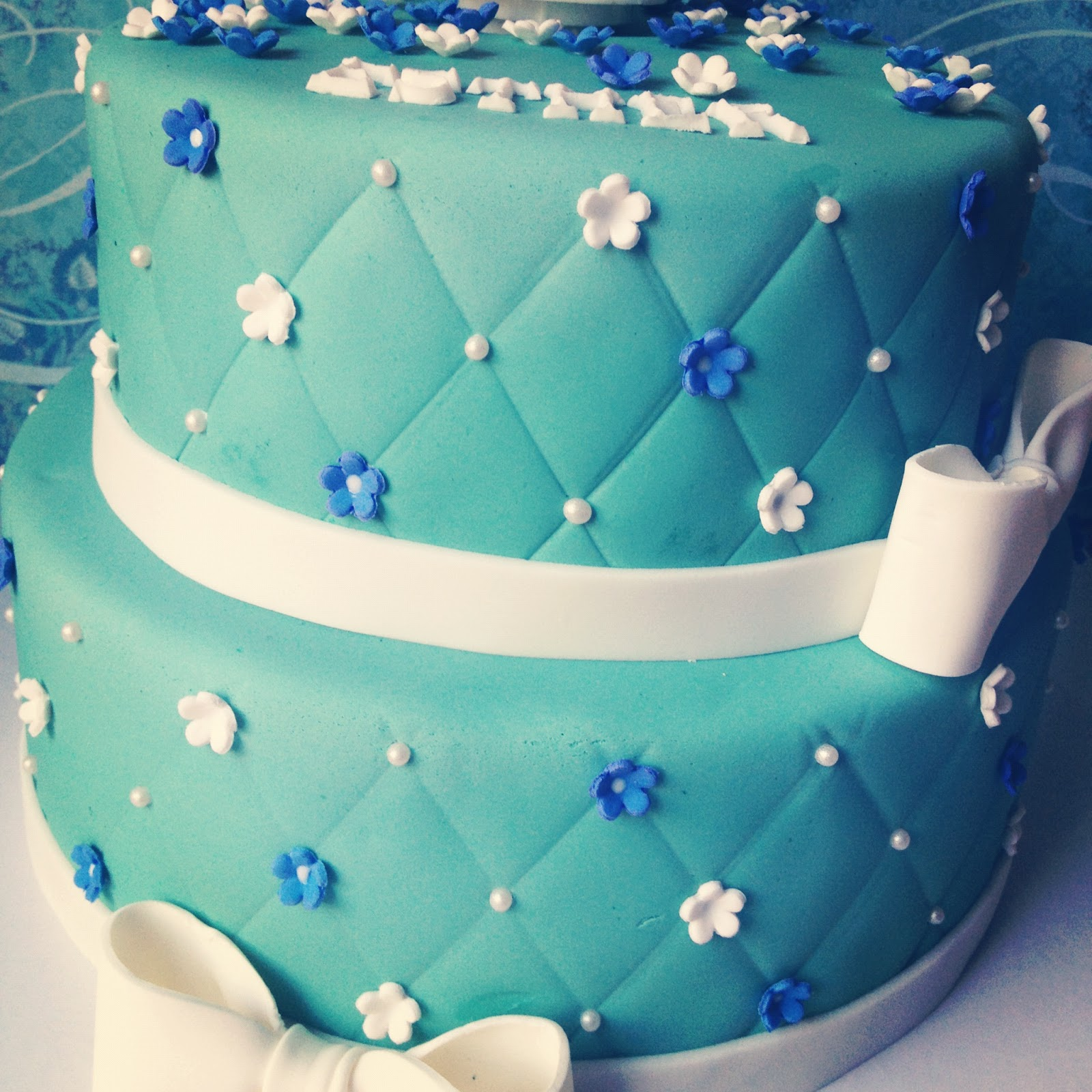 The Frosted Cake Boutique Birthday Cake