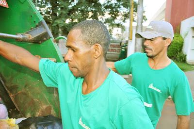 1 de maio: Homenagem ao trabalhador brasileiro:lixeiros